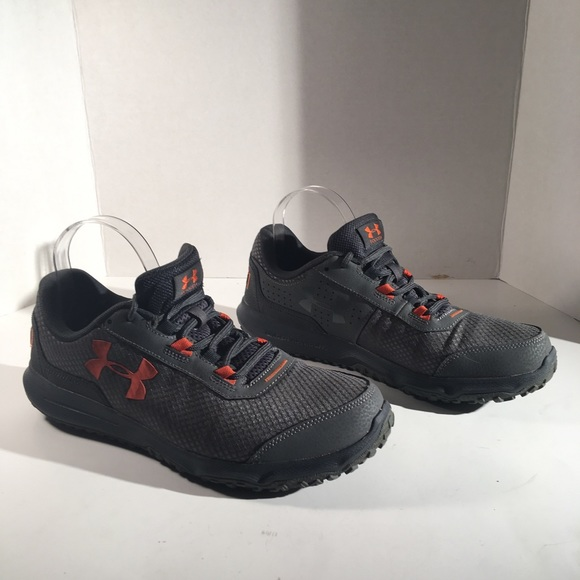 Under Armour Men's Gray Toccoa  Sneakers